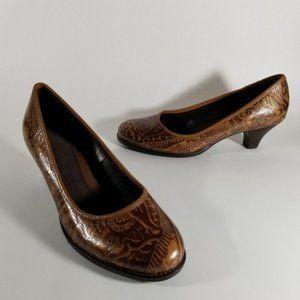 Aerosoles Brown Embossed Leather Kitten Heel Pumps